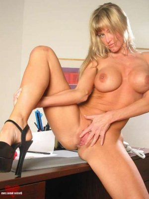 Shainess milf eros escorts in Moorhead, MN